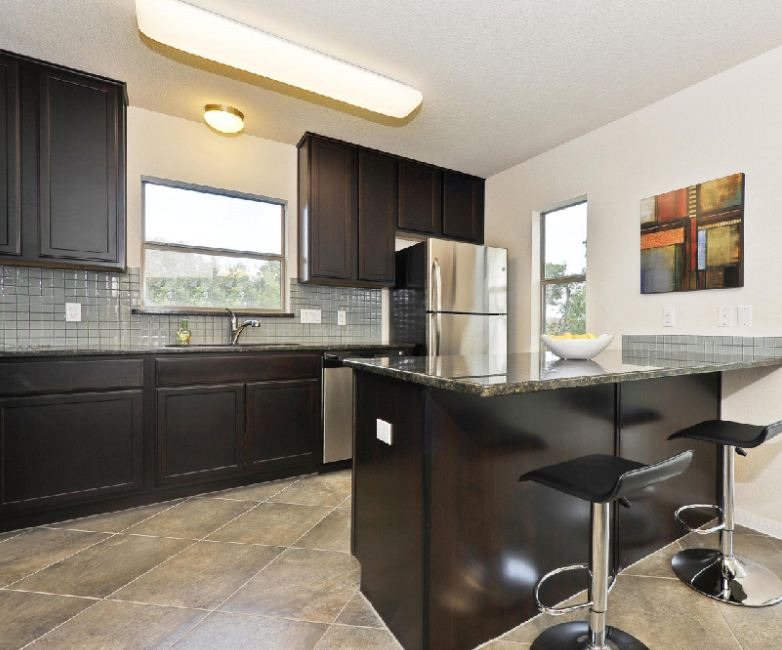 Buttercup Creek Townhomes Kitchen