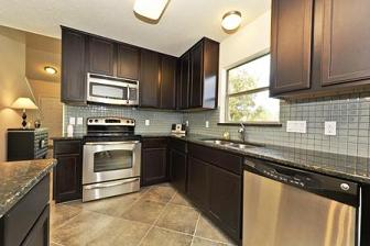 Buttercup Creek Townhomes For Sale - Kitchen