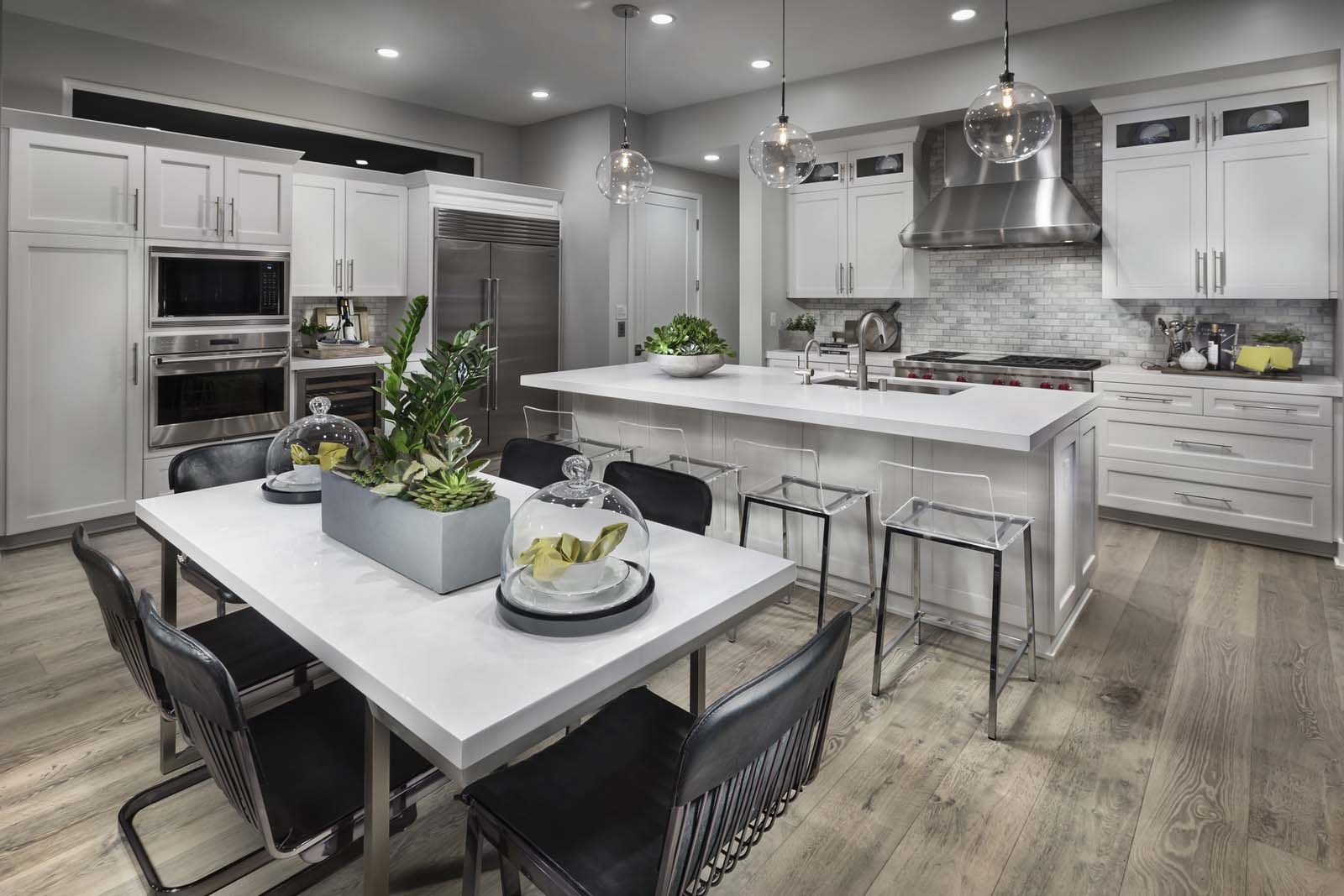 Chef Kitchen in Los Angles Detached Homes for Sale